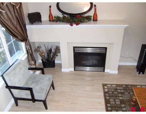 "Photo 2: 5 12778 66TH Avenue in Surrey: West Newton Townhouse for sale in ""HATHAWAY VILLAGE"" : MLS® # F2831686"