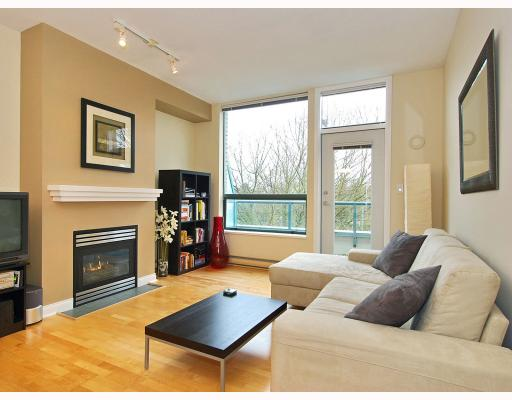 Main Photo: 408 2028 W 11TH Avenue in Vancouver: Kitsilano Condo for sale (Vancouver West)  : MLS® # V757545