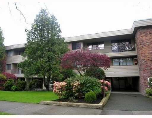 "Main Photo: 209 1717 W 13TH Avenue in Vancouver: Fairview VW Condo for sale in ""PRINCETON MANOR"" (Vancouver West)  : MLS(r) # V717050"