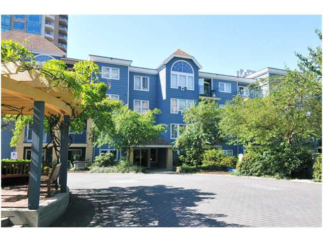 "Main Photo: 104 3065 PRIMROSE Lane in Coquitlam: North Coquitlam Condo for sale in ""LAKESIDE TERRACE"" : MLS® # V841752"