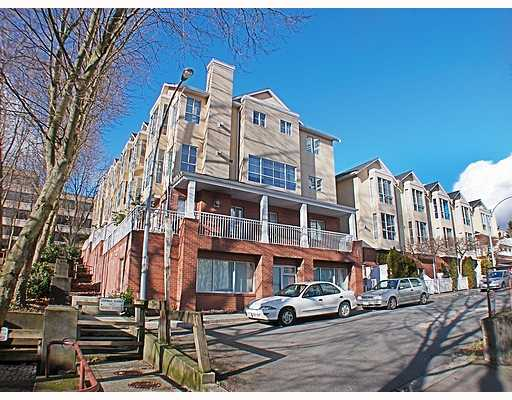 Main Photo: 404 624 AGNES Street in New_Westminster: Downtown NW Condo for sale (New Westminster)  : MLS® # V751563