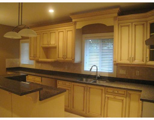 Photo 6: 7979 MCGREGOR Avenue in Burnaby: South Slope House 1/2 Duplex for sale (Burnaby South)  : MLS(r) # V754587