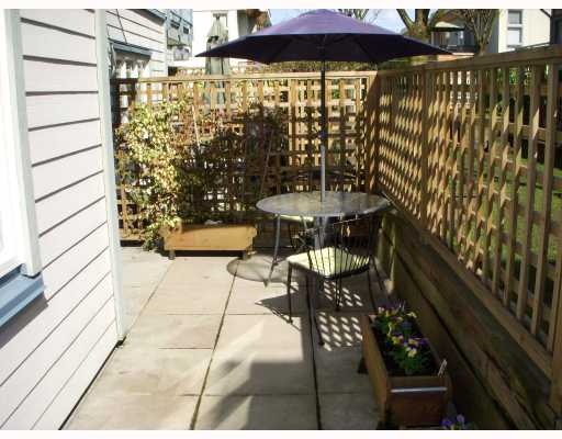 "Photo 8: 104 629 W 7TH Avenue in Vancouver: Fairview VW Condo for sale in ""THE COURTYARDS"" (Vancouver West)  : MLS(r) # V759073"