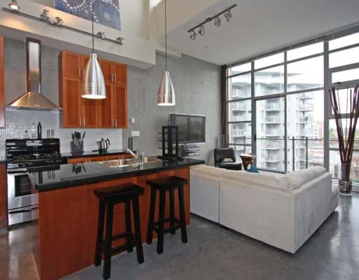 "Photo 5: 605 2635 PRINCE EDWARD Street in Vancouver: Mount Pleasant VE Condo for sale in ""SOMA LOFTS"" (Vancouver East)  : MLS® # V761642"