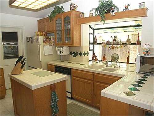Photo 3: NORTH ESCONDIDO House for sale : 4 bedrooms : 1040 Hoover Street in Escondido