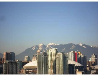 "Main Photo: 802 2055 YUKON Street in Vancouver: Mount Pleasant VW Condo for sale in ""MONTREUX"" (Vancouver West)  : MLS® # V731923"