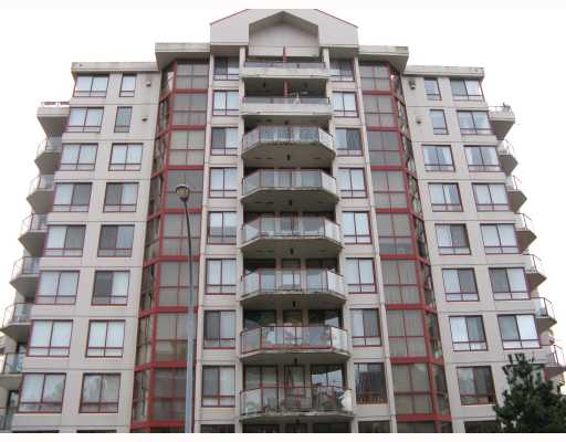 "Main Photo: 905 220 11TH Street in New_Westminster: Uptown NW Condo for sale in ""QUEEN'S COVE"" (New Westminster)  : MLS(r) # V745357"