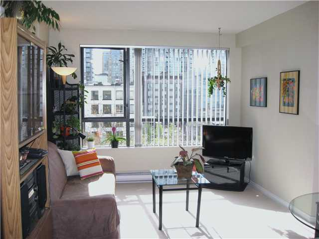 "Main Photo: 505 1189 HOWE Street in Vancouver: Downtown VW Condo for sale in ""GENESIS"" (Vancouver West)  : MLS(r) # V821952"