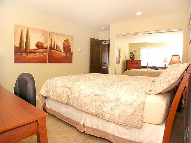 Photo 5: LA JOLLA Property for rent : 2 bedrooms : 410 Pearl St. #3C in La Jolla - Village
