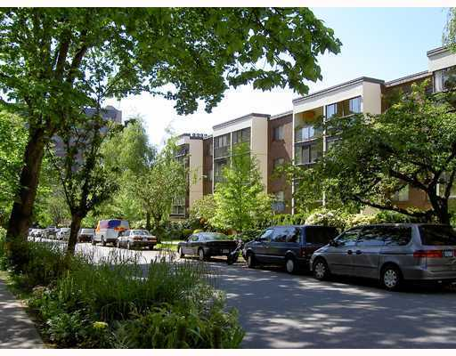 "Main Photo: 412 1140 PENDRELL Street in Vancouver: West End VW Condo for sale in ""THE SOMERSET"" (Vancouver West)  : MLS® # V801603"