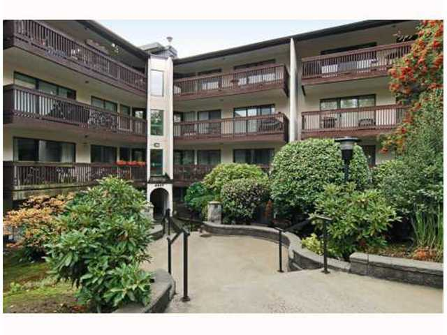 "Main Photo: 117 9847 MANCHESTER Drive in Burnaby: Cariboo Condo for sale in ""BARCLAY WOODS"" (Burnaby North)  : MLS® # V841319"