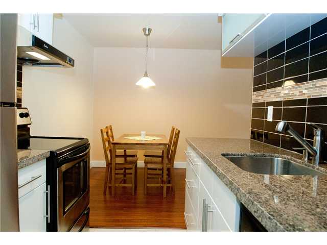 "Photo 4: 117 9847 MANCHESTER Drive in Burnaby: Cariboo Condo for sale in ""BARCLAY WOODS"" (Burnaby North)  : MLS(r) # V841319"