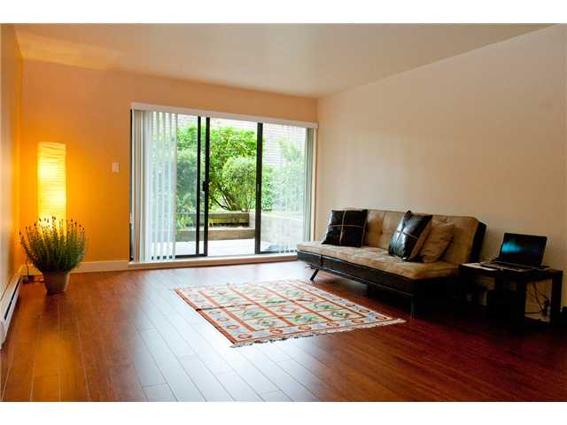 "Photo 2: 117 9847 MANCHESTER Drive in Burnaby: Cariboo Condo for sale in ""BARCLAY WOODS"" (Burnaby North)  : MLS(r) # V841319"