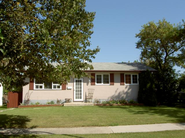 Main Photo: 875 ISBISTER Street in WINNIPEG: Westwood / Crestview Residential for sale (West Winnipeg)  : MLS®# 1016851