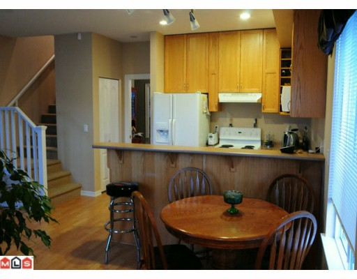 "Photo 4: 117 33751 7TH Avenue in Mission: Mission BC Townhouse for sale in ""HERITAGE PARK"" : MLS(r) # F1003770"