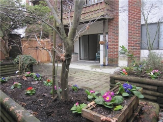 "Main Photo: 107 211 W 3RD Street in North Vancouver: Lower Lonsdale Condo for sale in ""Villa Aurora"" : MLS® # V866514"