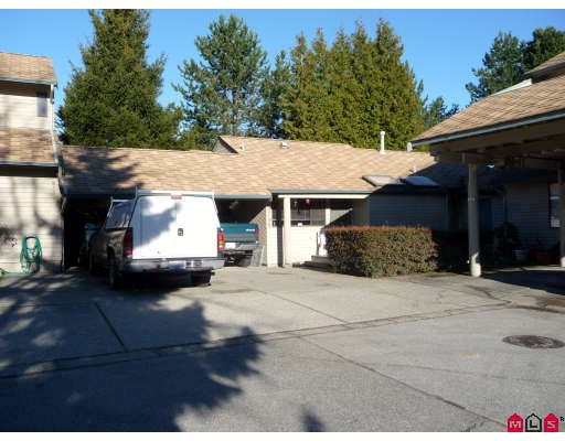 "Main Photo: 15796 MCBETH Road in Surrey: King George Corridor Townhouse for sale in ""ALDERWOOD"" (South Surrey White Rock)  : MLS(r) # F2900975"