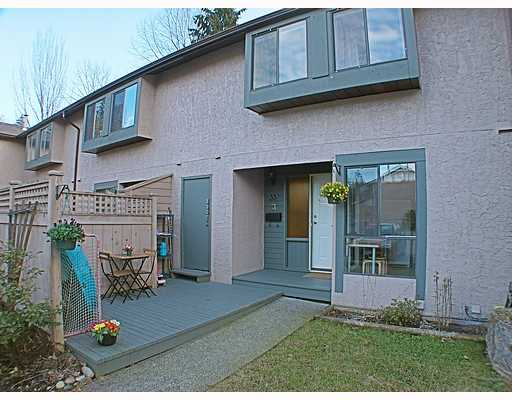 "Main Photo: 33 3190 TAHSIS Avenue in Coquitlam: New Horizons Townhouse for sale in ""NEW HORIZON ESTATES"" : MLS® # V753291"