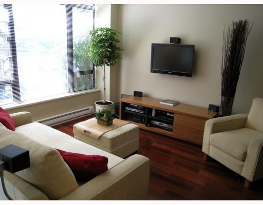 "Photo 3: 519 DRAKE Street in Vancouver: Downtown VW Townhouse for sale in ""OSCAR"" (Vancouver West)  : MLS(r) # V774966"