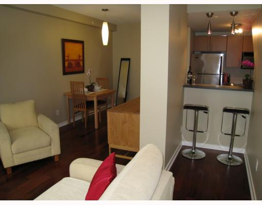 "Photo 4: 519 DRAKE Street in Vancouver: Downtown VW Townhouse for sale in ""OSCAR"" (Vancouver West)  : MLS(r) # V774966"