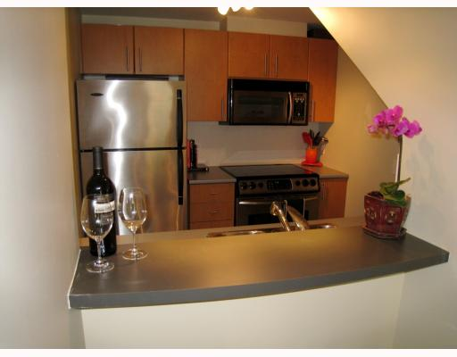 "Photo 6: 519 DRAKE Street in Vancouver: Downtown VW Townhouse for sale in ""OSCAR"" (Vancouver West)  : MLS(r) # V774966"