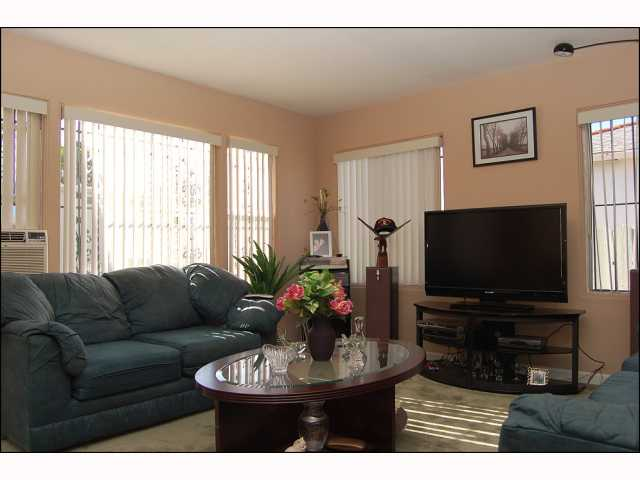 Photo 3: CITY HEIGHTS House for sale : 2 bedrooms : 4618 Polk in San Diego