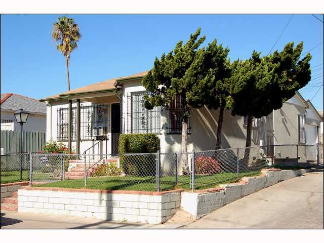 Photo 11: CITY HEIGHTS House for sale : 2 bedrooms : 4618 Polk in San Diego