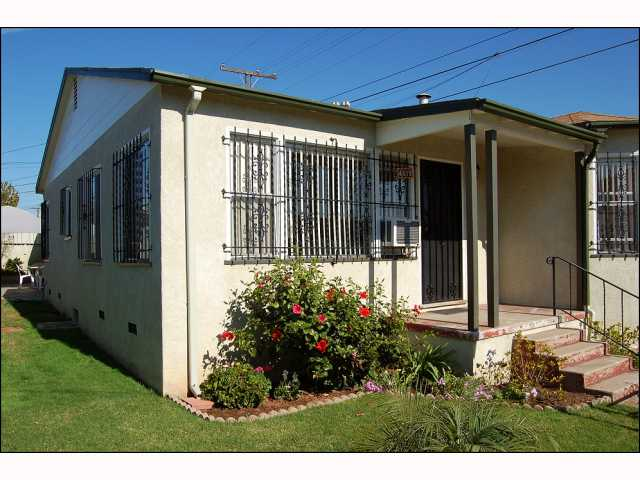 Photo 9: CITY HEIGHTS House for sale : 2 bedrooms : 4618 Polk in San Diego