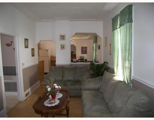 Photo 2: 222 Bowman Avenue in WINNIPEG: East Kildonan Residential for sale (North East Winnipeg)  : MLS(r) # 2814504
