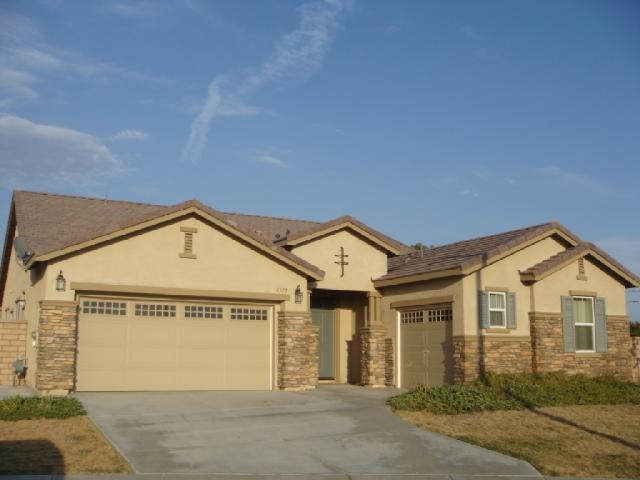 Main Photo: OUT OF AREA House for sale : 4 bedrooms : 3315 Chickasaw in Hemet