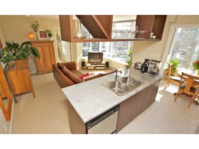 "Main Photo: 1806 1001 RICHARDS Street in Vancouver: Downtown VW Condo for sale in ""MIRO"" (Vancouver West)  : MLS®# V857520"