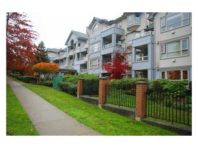 "Photo 2: 107 7326 ANTRIM Avenue in Burnaby: Metrotown Condo for sale in ""SOVEREIGN MANOR"" (Burnaby South)  : MLS® # V857785"
