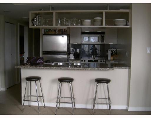 "Photo 2: 2010 1082 SEYMOUR Street in Vancouver: Downtown VW Condo for sale in ""FREESIA"" (Vancouver West)  : MLS® # V769547"