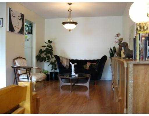 Photo 2: 306 5335 HASTINGS Street in Burnaby: Capitol Hill BN Condo for sale (Burnaby North)  : MLS® # V783120