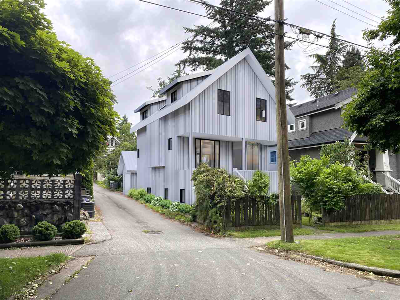 FEATURED LISTING: 820 23RD Avenue West Vancouver