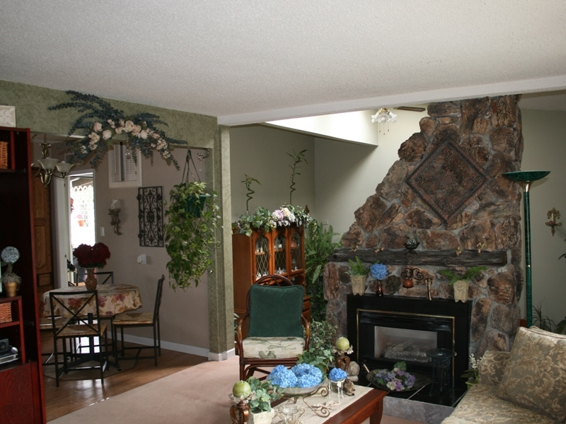 Photo 2: 11015 81A Avenue in Delta: Nordel House for sale (N. Delta)  : MLS(r) # F2822905