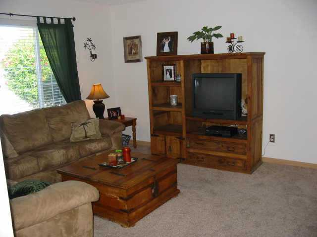 Photo 4: NORTH ESCONDIDO Residential for sale : 3 bedrooms : 1075 N. Grape St in Escondido
