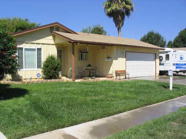 Main Photo: NORTH ESCONDIDO Residential for sale : 3 bedrooms : 1075 N. Grape St in Escondido