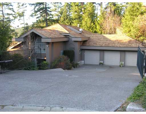 Main Photo: 4893 NORTHWOOD Place in West Vancouver: Cypress Park Estates House for sale : MLS®# V780278