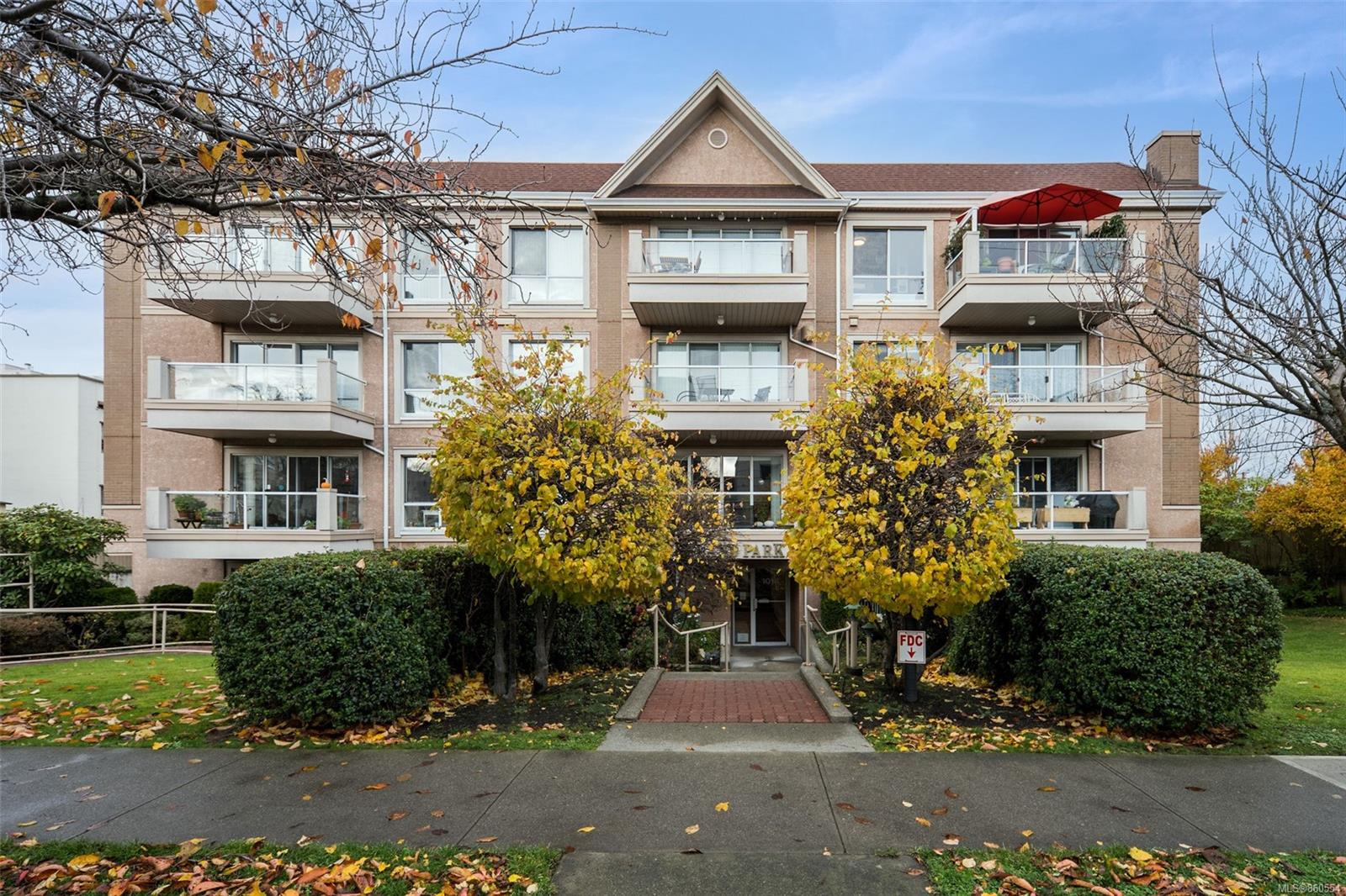 FEATURED LISTING: 405 - 1014 Rockland Ave