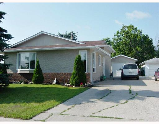 Main Photo: 642 GILMORE Avenue in WINNIPEG: North Kildonan Residential for sale (North East Winnipeg)  : MLS® # 2813984