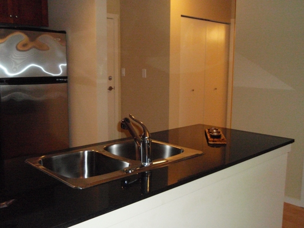 "Photo 6: 311 315 KNOX Street in New_Westminster: Sapperton Condo for sale in ""SAN MARINO"" (New Westminster)  : MLS® # V751497"