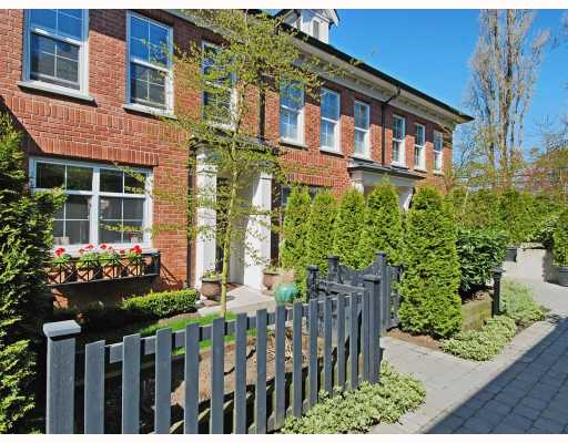 "Main Photo: 21 5812 TISDALL Street in Vancouver: Oakridge VW Townhouse for sale in ""TOWNE 1"" (Vancouver West)  : MLS®# V763419"