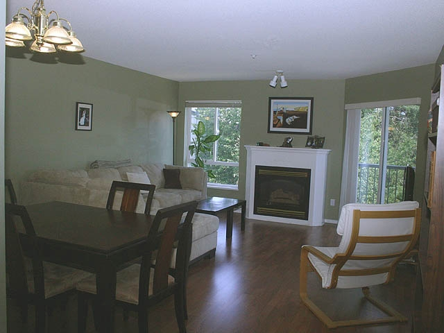 "Photo 4: 308 31831 PEARDONVILLE Road in Abbotsford: Abbotsford West Condo for sale in ""WESTPOINT VILLA"" : MLS® # F2917251"
