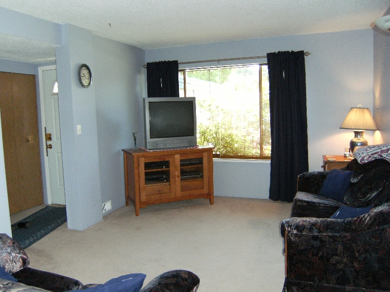 Photo 3: 13465 68A Avenue in Surrey: West Newton House 1/2 Duplex for sale : MLS® # F2828620