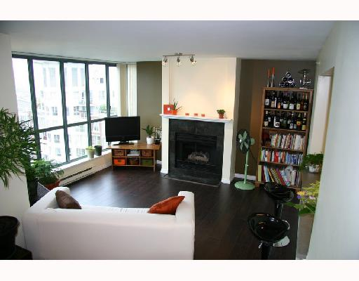 "Main Photo: 1504 1188 QUEBEC Street in Vancouver: Mount Pleasant VE Condo for sale in ""CITYGATE ONE"" (Vancouver East)  : MLS® # V737481"