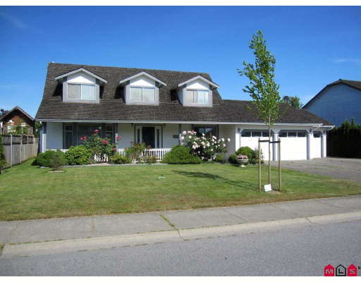 Main Photo: 4522 222A Street in Langley: Murrayville House for sale : MLS® # F2914001