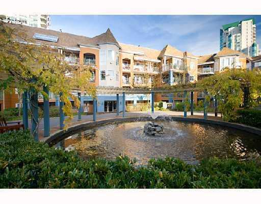 "Main Photo: 406 3075 PRIMROSE Lane in Coquitlam: North Coquitlam Condo for sale in ""LAKESIDE TERRACE"" : MLS® # V741850"