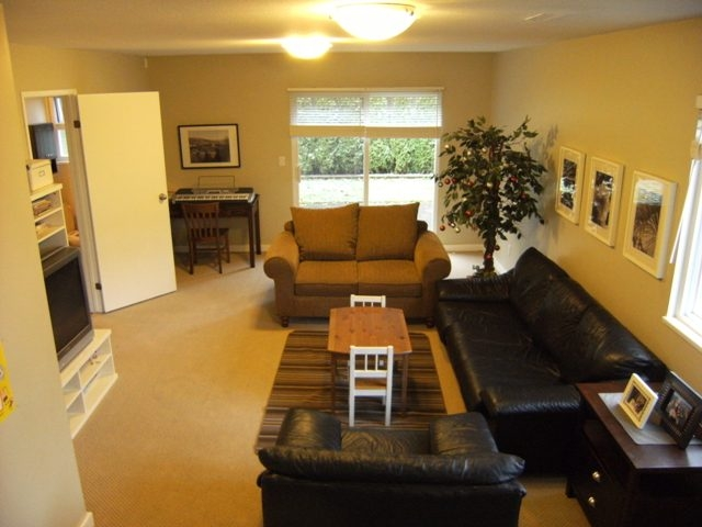 "Photo 9: 13114 62B Avenue in Surrey: Panorama Ridge House for sale in ""PANORAMA PARK"" : MLS(r) # F1028152"