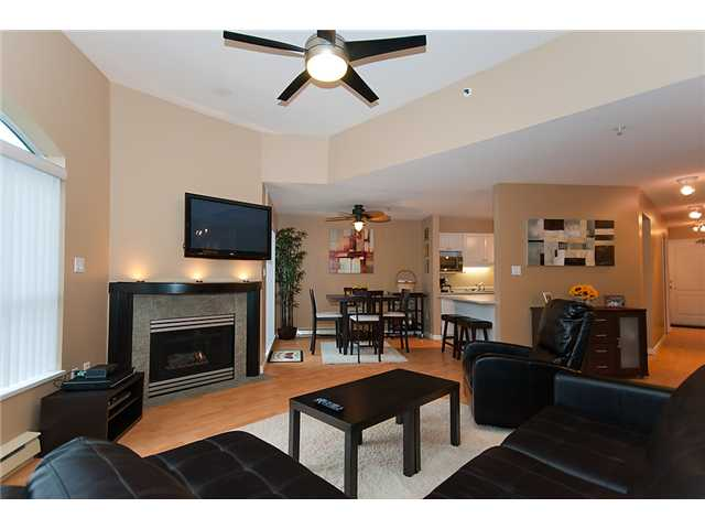 "Main Photo: 406 2559 PARKVIEW Lane in Port Coquitlam: Central Pt Coquitlam Condo for sale in ""THE CRESCENT"" : MLS®# V864075"